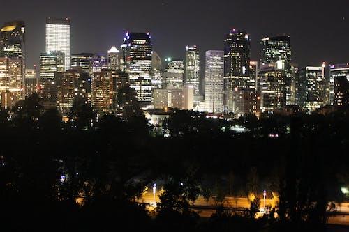 Gratis arkivbilde med bygninger, natt, sentrum
