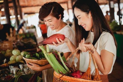 Gratis stockfoto met aangenaam, aardig, artikel, Aziatische vrouwen