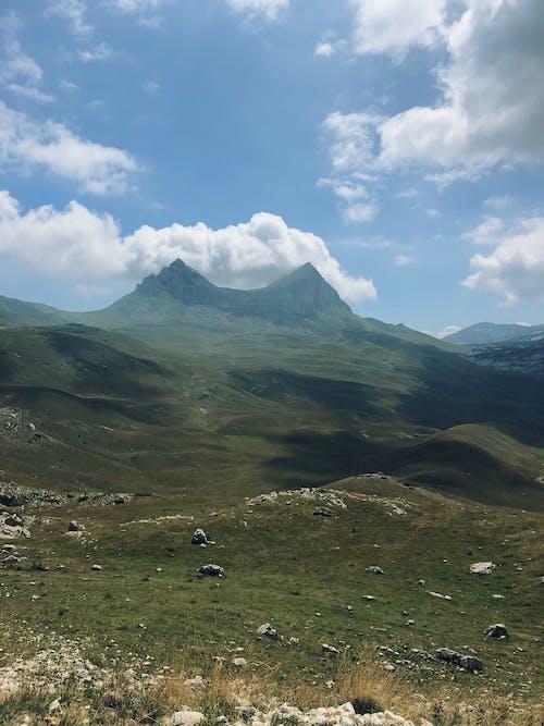 Immagine gratuita di cielo, cima della montagna, cumuli di nuvole