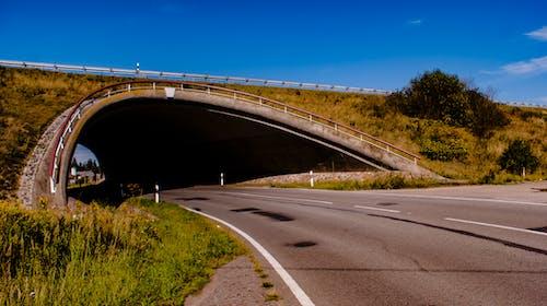 Ilmainen kuvapankkikuva tunnisteilla maisema, tunneli, tyhjä katu