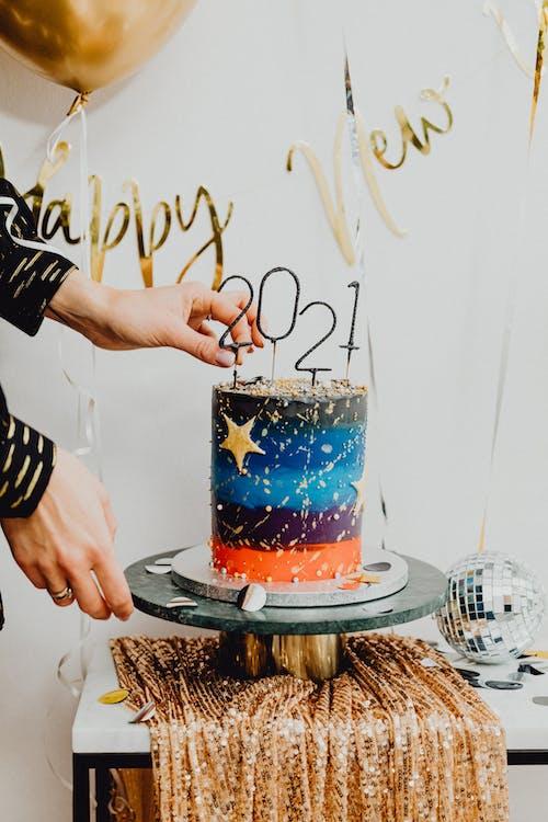 Kostenloses Stock Foto zu 2021, champagner, drinnen