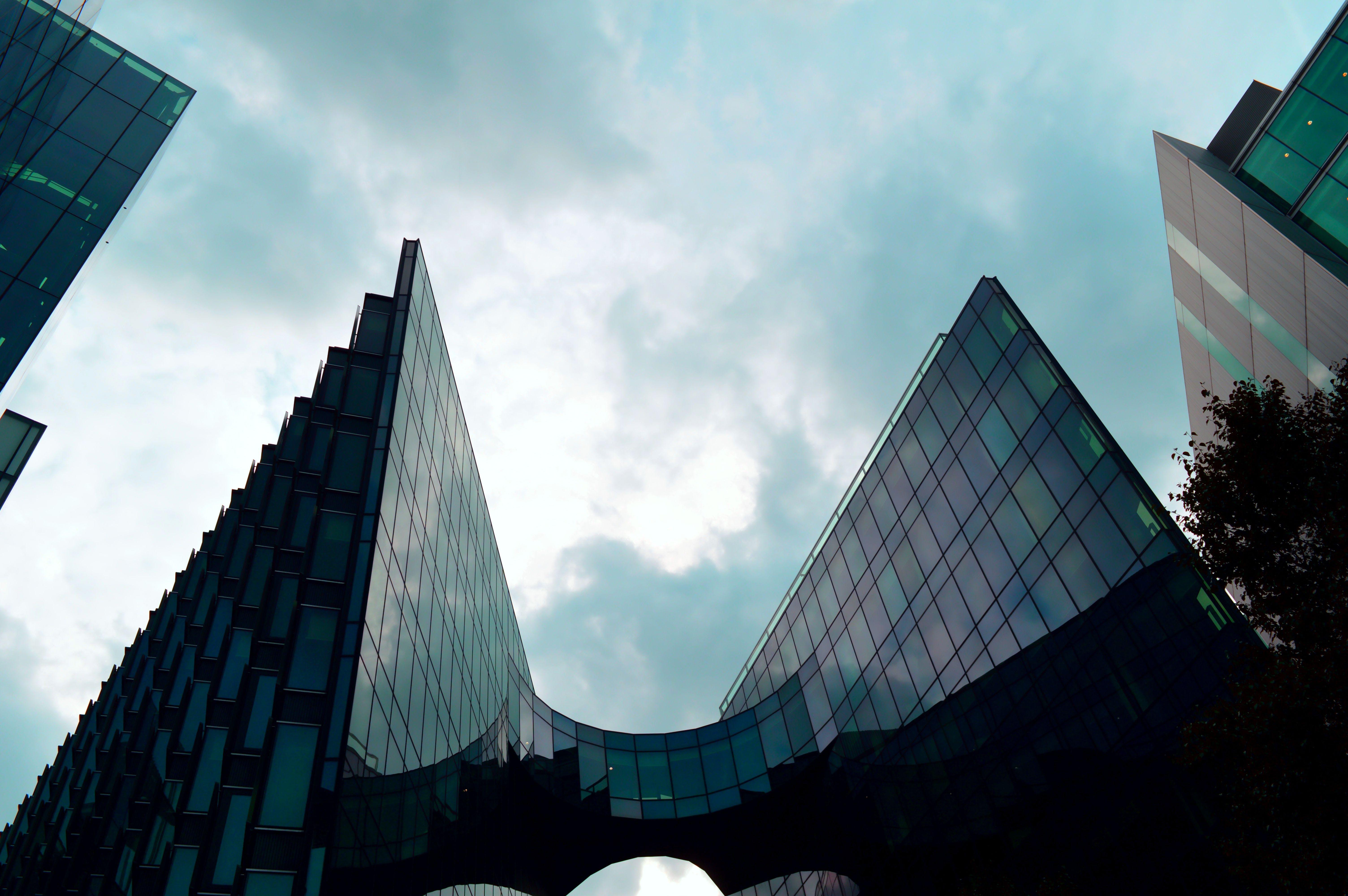 ガラス, ガラス窓, ファイナンス, ローアングルショットの無料の写真素材