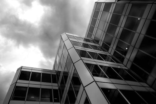 低角度拍攝, 反射, 單色, 城市 的 免費圖庫相片
