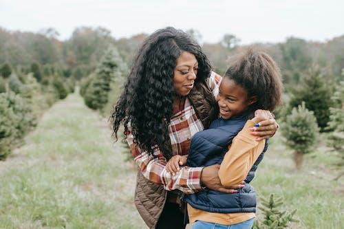 Fotobanka sbezplatnými fotkami na tému afro-americká dievča, Afroameričanka, bezstarostný, blízky