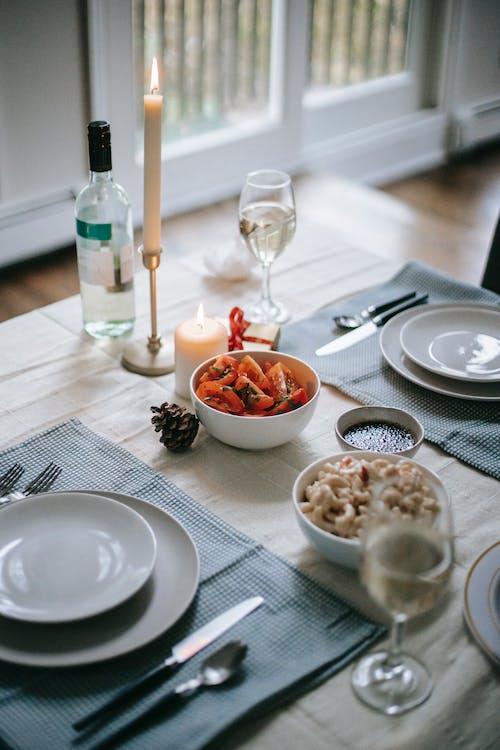 Serviert Tisch Mit Leckerem Essen Für Die Weihnachtsferien