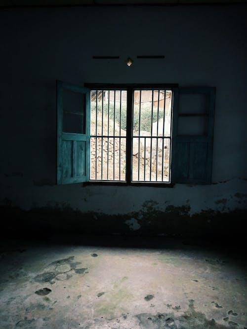 Fotos de stock gratuitas de #window #home #house #dark #old #room #village