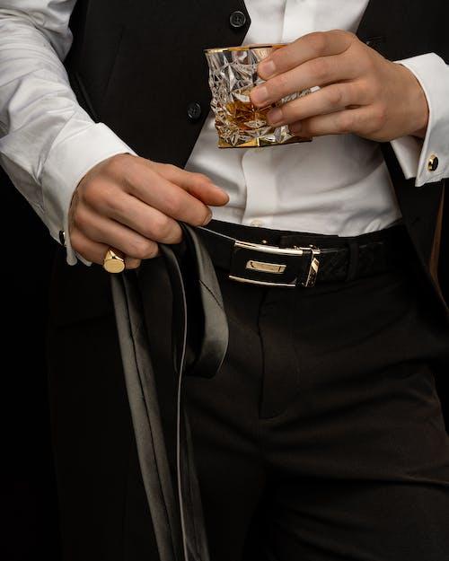 Gratis lagerfoto af bælte, glas, guldring