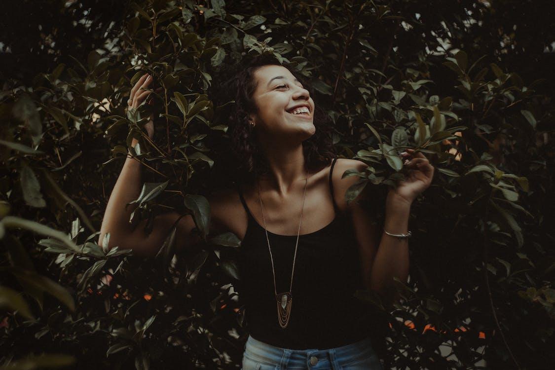 aantrekkelijk mooi, bladeren, blijdschap