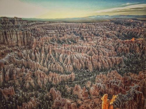 Gratis arkivbilde med bryce canyon, canyon, dagslys, dyrket mark
