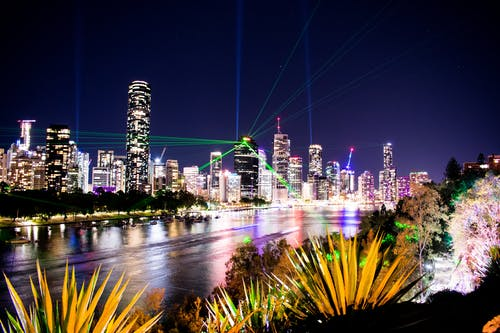 คลังภาพถ่ายฟรี ของ กลางคืน, การท่องเที่ยว, การส่องแสง, การสะท้อน
