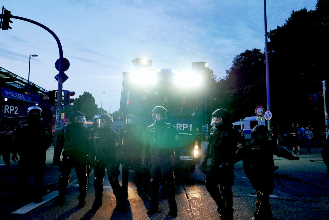 Ingyenes stockfotó bundespolizei, éjszaka, g20 témában