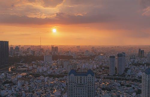 Immagine gratuita di acqua, alba, architettura, centro città