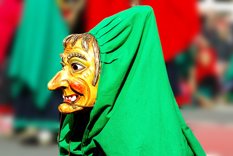zu bunt, holzerne maske, karneval, karneval hexe