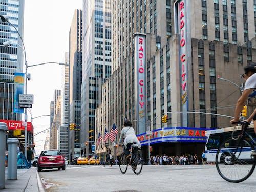 거리, 건너는, 관광, 군중의 무료 스톡 사진