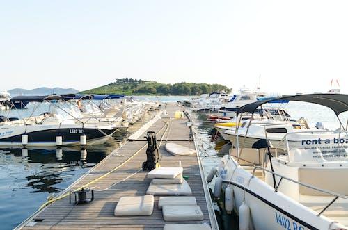 Immagine gratuita di acqua, banchina, barche, croazia
