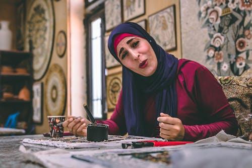 Безкоштовне стокове фото на тему «іслам, дама, малярство, милий»
