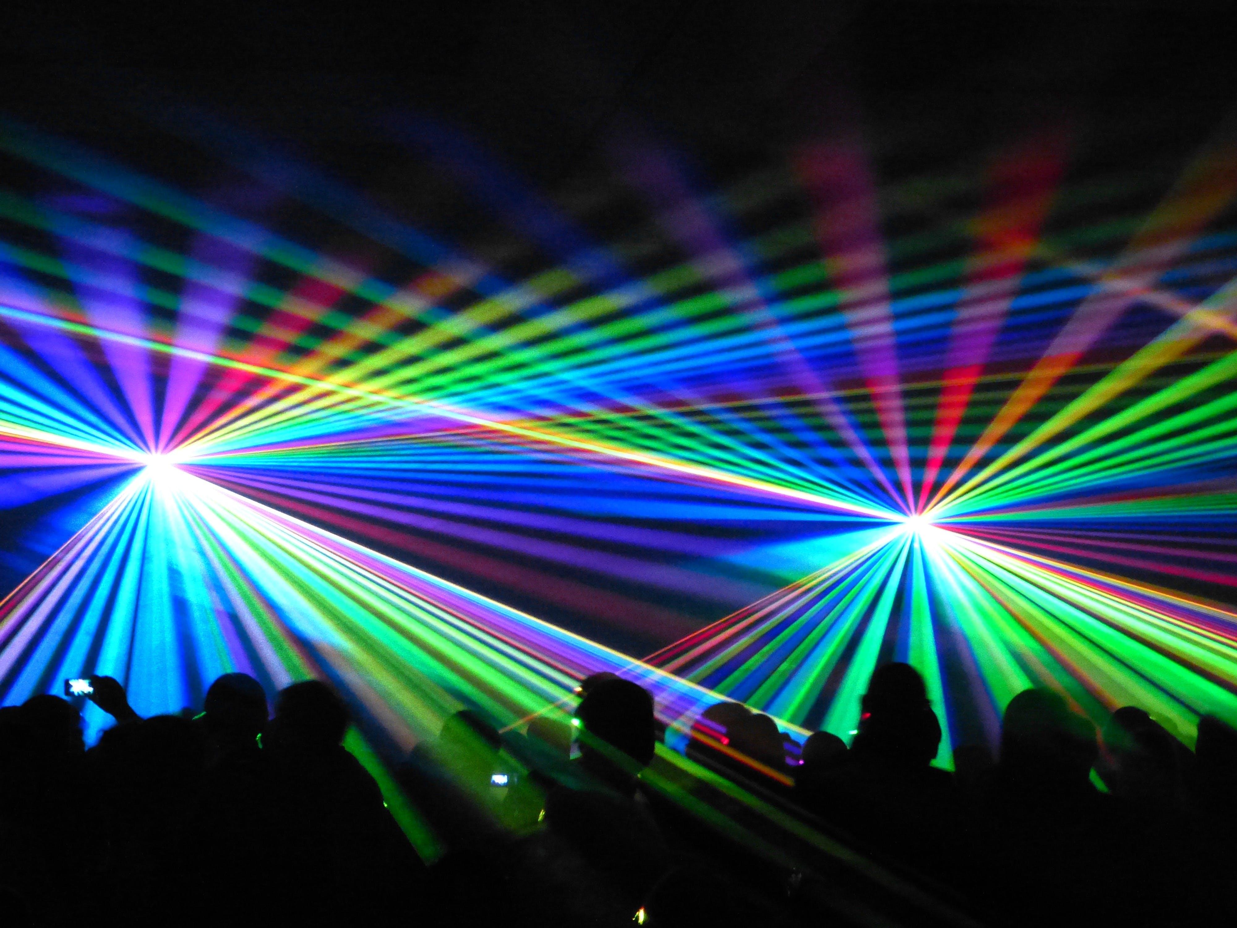 ışıklar, kalabalık, rengarenk içeren Ücretsiz stok fotoğraf