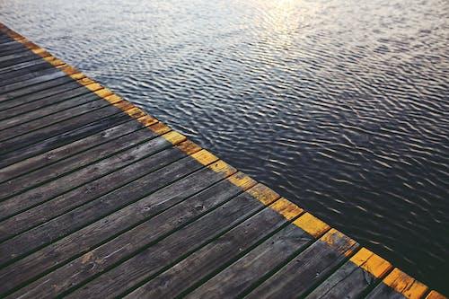 Δωρεάν στοκ φωτογραφιών με trackt, αντανάκλαση, ασταθές νερό, γέφυρα