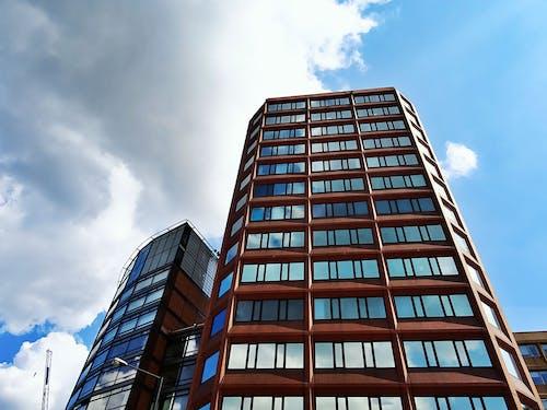 Foto stok gratis Arsitektur, bangunan, bidikan sudut sempit, fasad