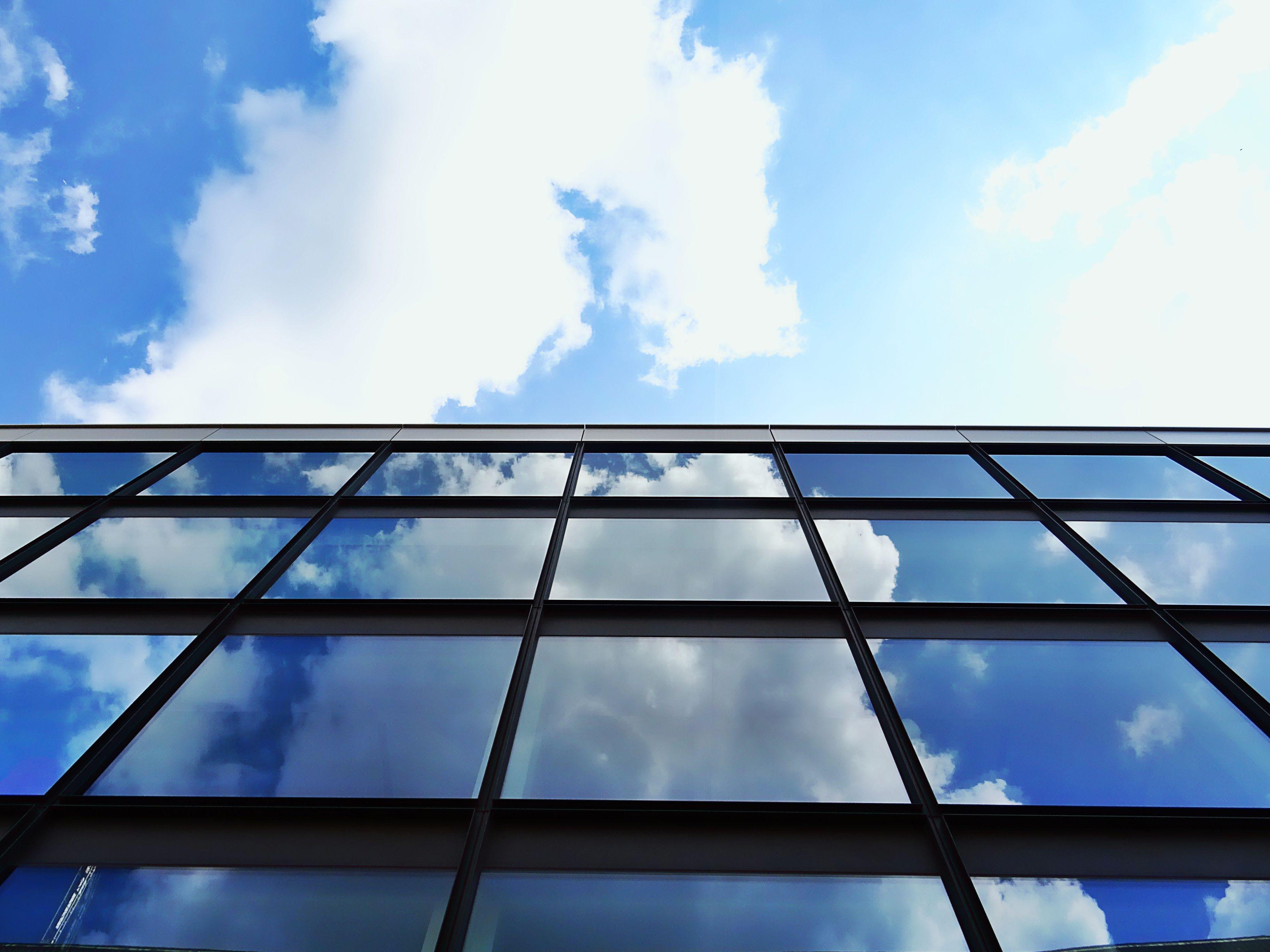 Foto d'estoc gratuïta de arquitectura, articles de vidre, cel, edifici