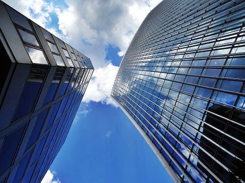 Foto profissional grátis de aparência, arquitetura, arranha-céus, céu