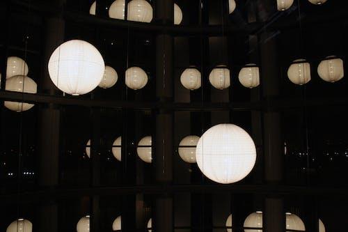 คลังภาพถ่ายฟรี ของ กระจก, โรงแรม, ไฟ