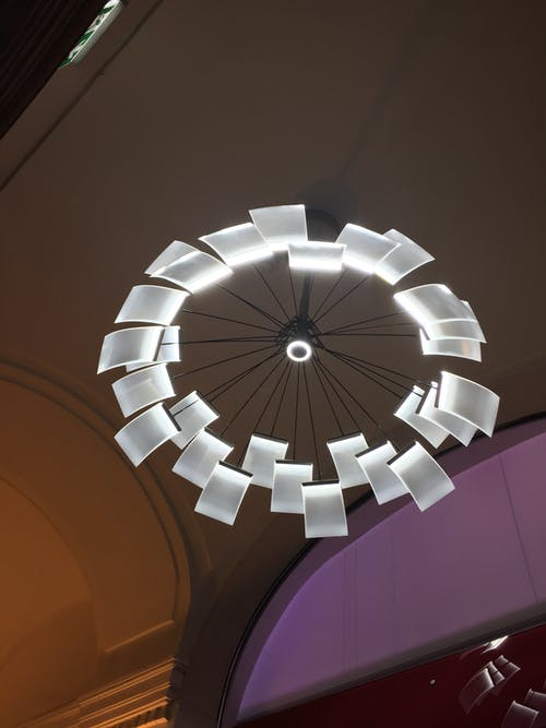 tavan lambası içeren Ücretsiz stok fotoğraf