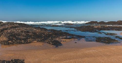 Ilmainen kuvapankkikuva tunnisteilla aallot murtuvat, hiekkaranta, kesä, kesäfiilis