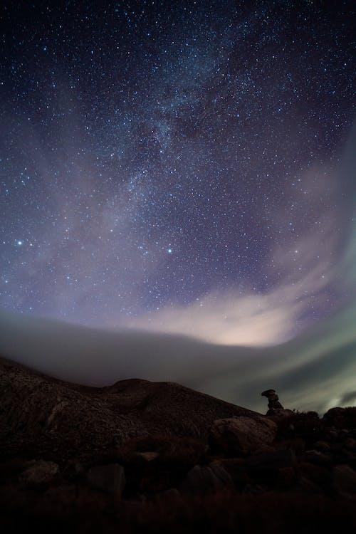 akşam, astronomi, dağ içeren Ücretsiz stok fotoğraf