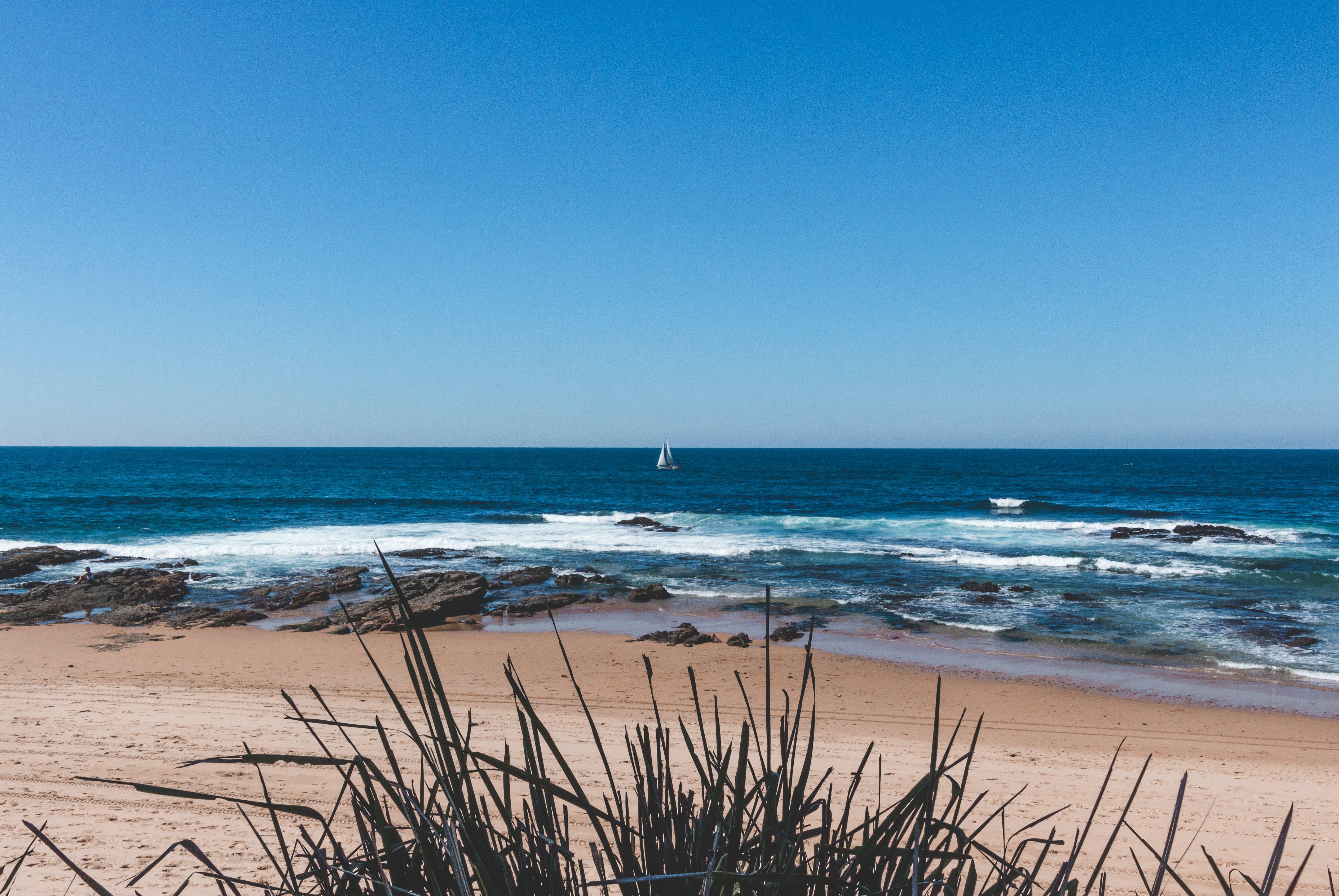 Fotobanka sbezplatnými fotkami na tému breh, horizont, krajina pri mori, kývať