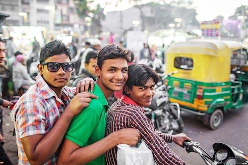 Fotos de stock gratuitas de actividad, adolescente, adolescente indio, alegre