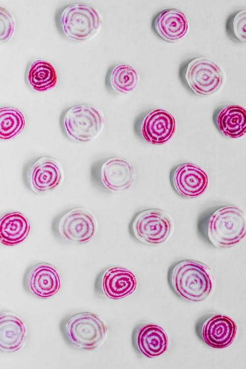 White and Purple Swirly Pattern