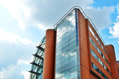 Kostnadsfri bild av arkitektonisk design, arkitektur, byggnad, fönster