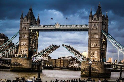 Δωρεάν στοκ φωτογραφιών με είδωλο, ζωή στην πόλη, ζωή του λονδίνου, η γέφυρα του λονδίνου