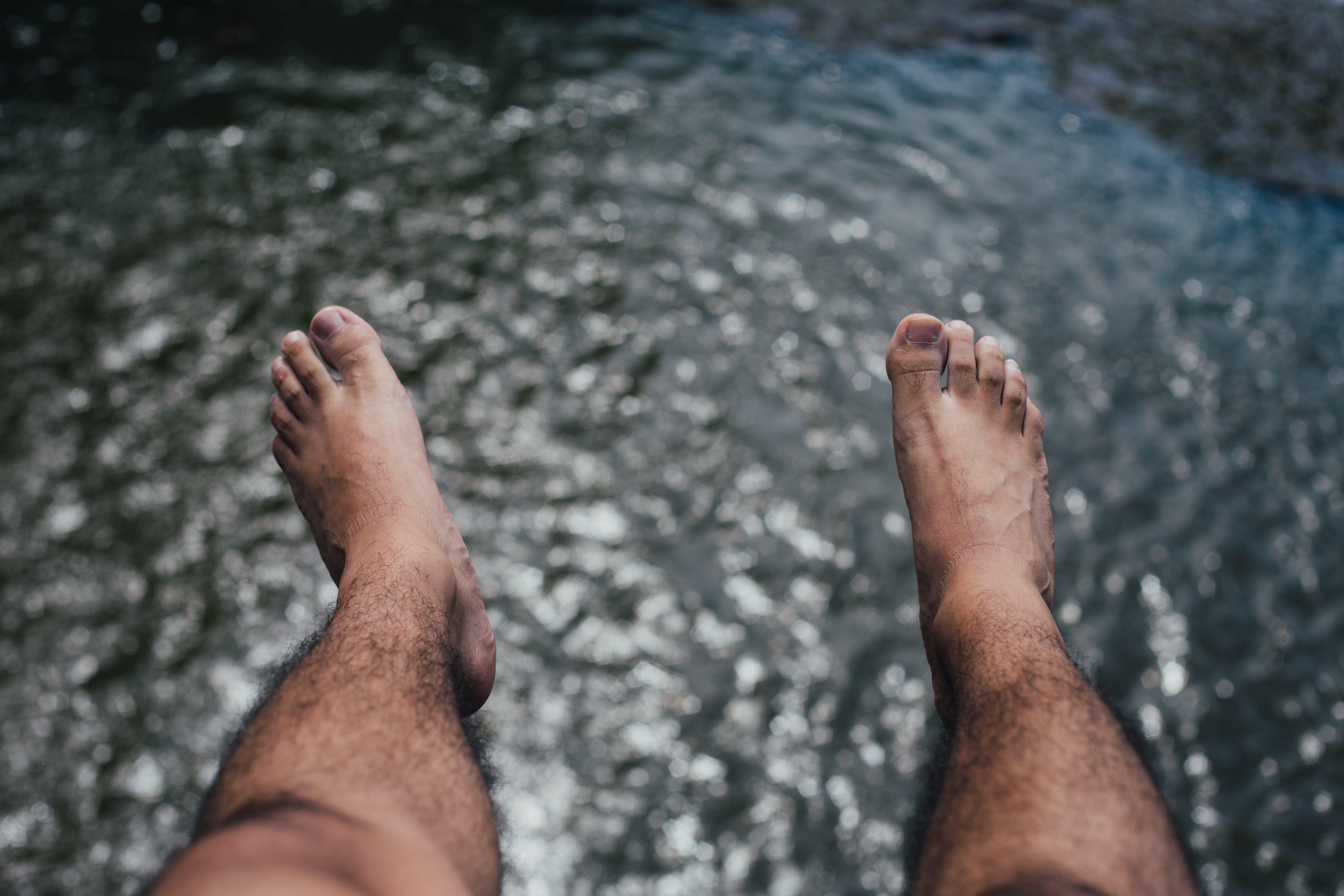 feet, hairy, hanging