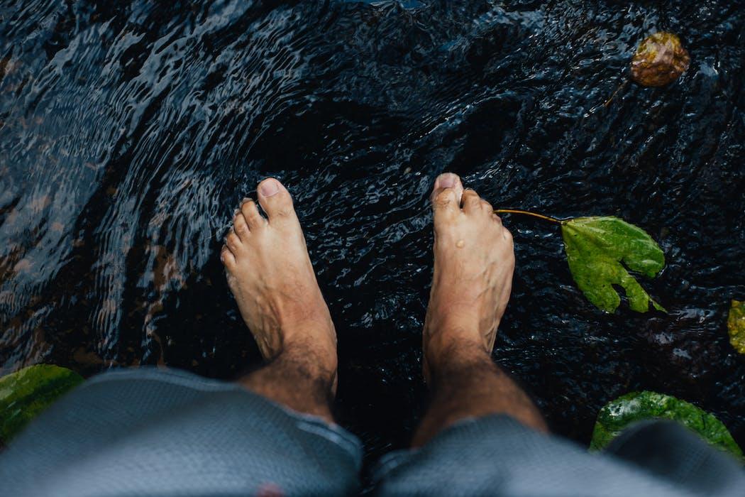 Un masseur de pied pour améliorer la santé mentale