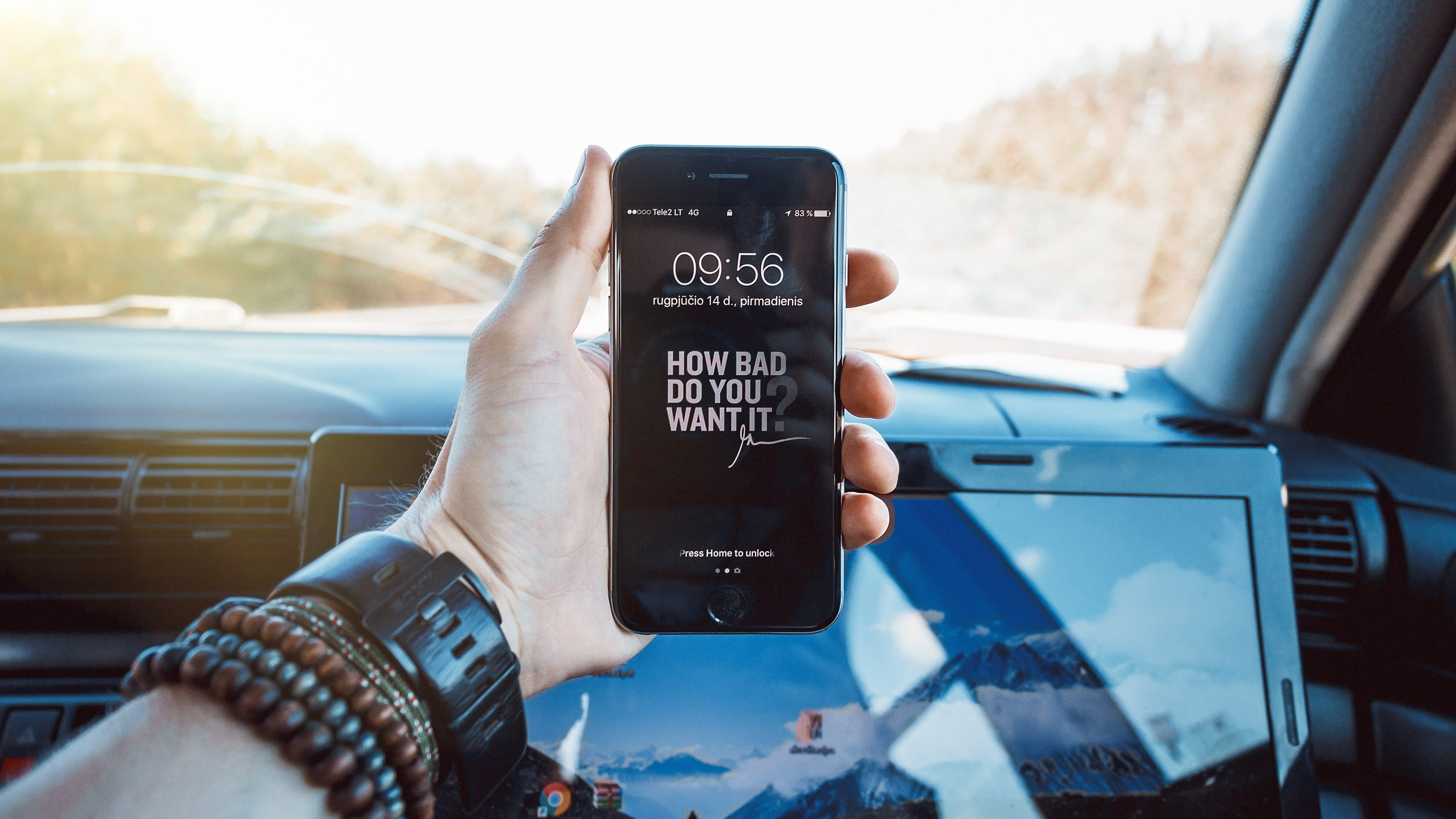 Black Iphone 7 Displaying at 09:56