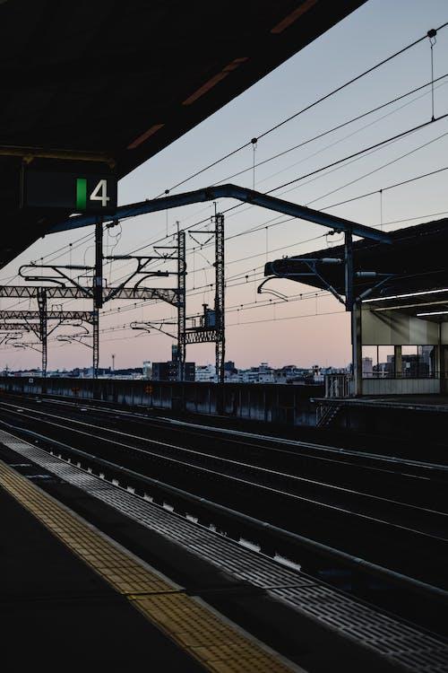 คลังภาพถ่ายฟรี ของ ชานชาลา, ซิลูเอตต์, ทางรถไฟ