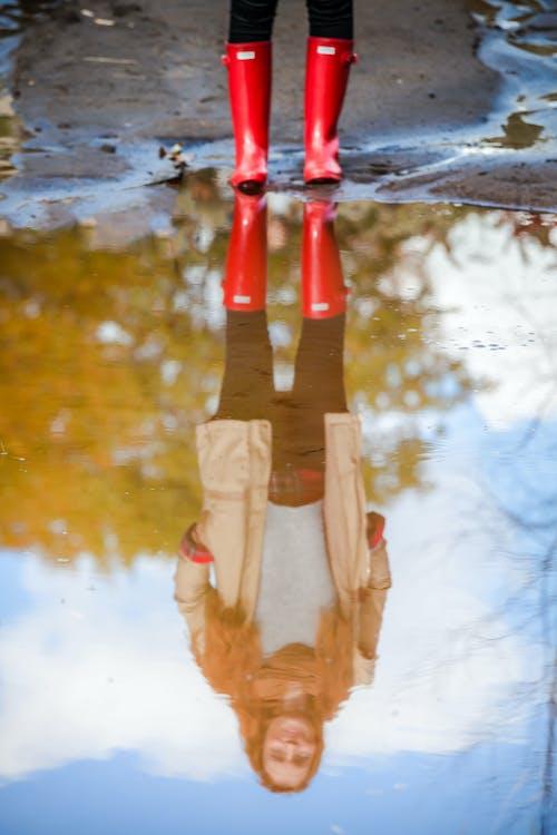 Ingyenes stockfotó csizma, esős, hölgy, lány témában