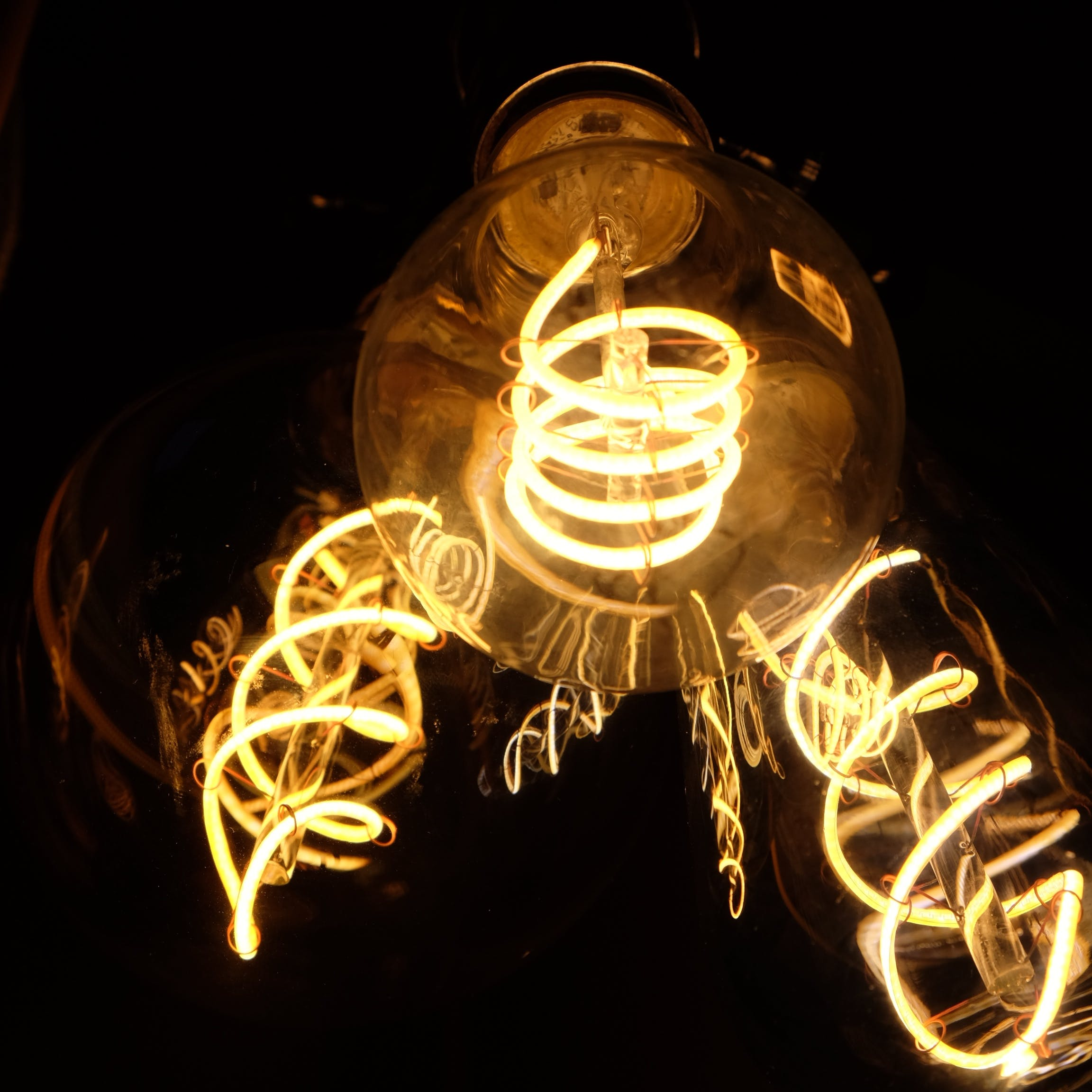 Vintage filament LED light bulbs
