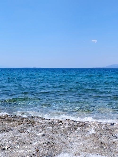 Fotos de stock gratuitas de arena de mar, cerca del mar, cielo, cielo azul