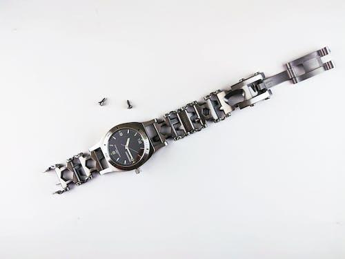 Kostenloses Stock Foto zu armbanduhr, ausgeschnitten, business, chrom