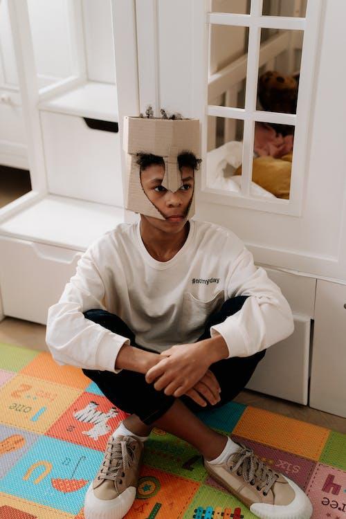 Безкоштовне стокове фото на тему «афро-американських хлопчик, вертикальний, дитина»