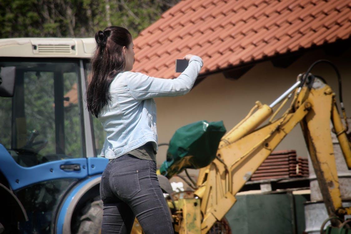 excavateur, femme, mains
