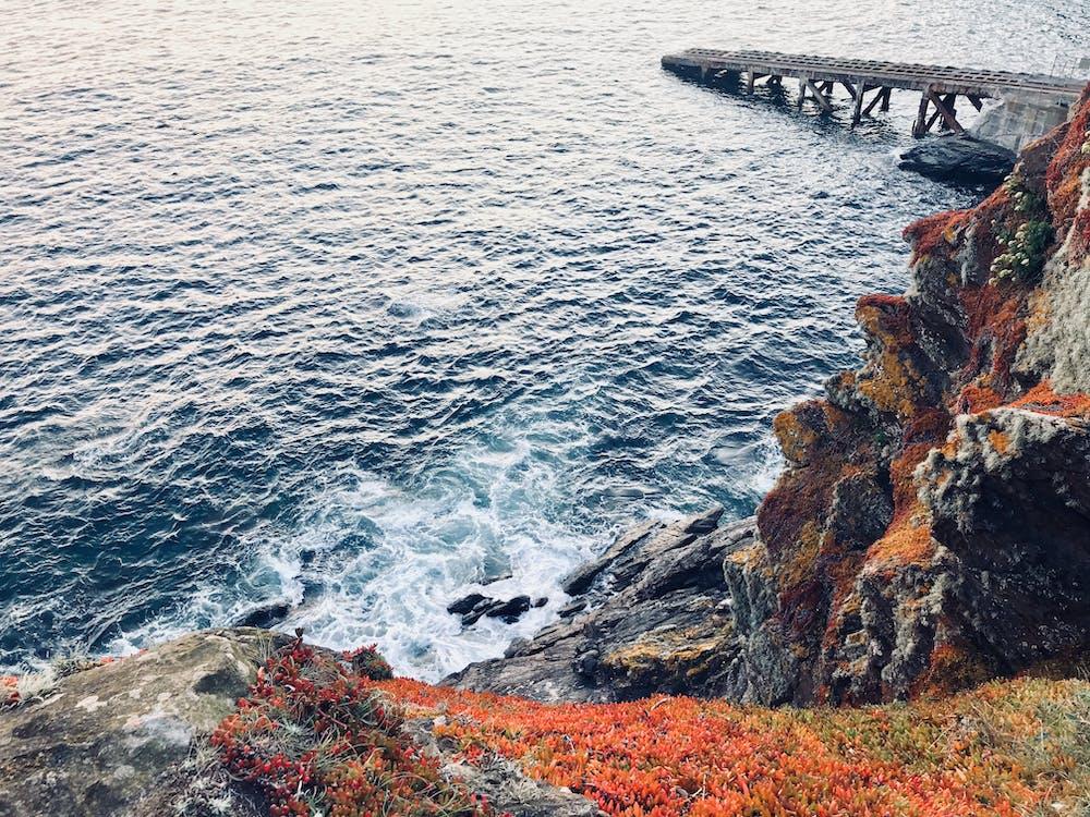 bord de mer, cailloux, cale