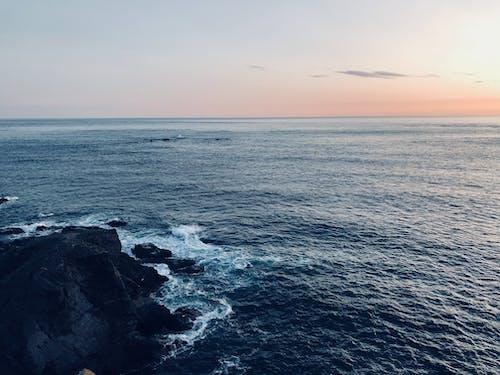 Photos gratuites de cailloux, coucher de soleil, mer, océan