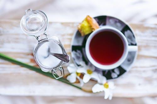 Sugar time with tea
