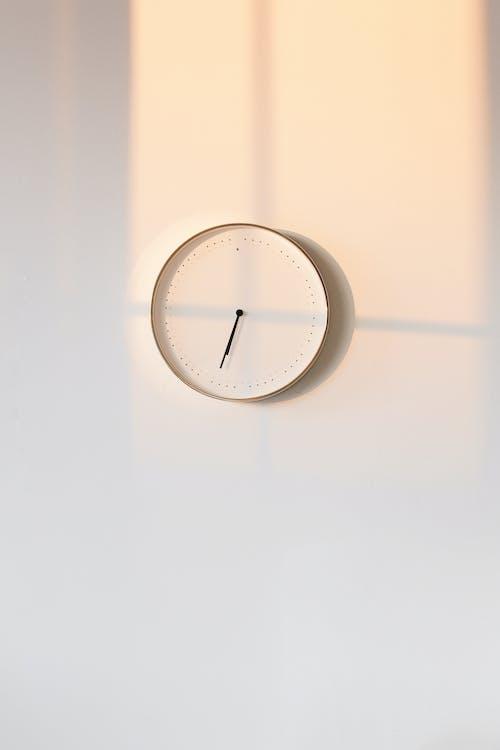 圓形白色模擬壁鐘10 10