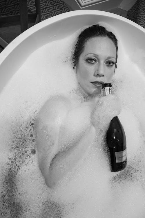 Fotos de stock gratuitas de bañándose, bañera, baño