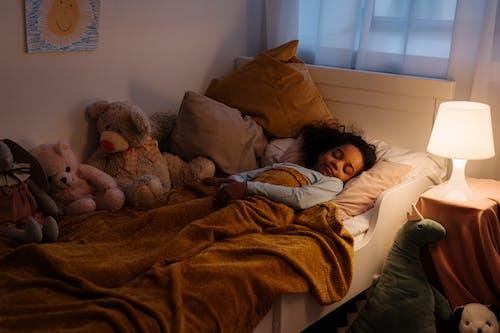 休息, 兒童, 填充玩具 的 免費圖庫相片